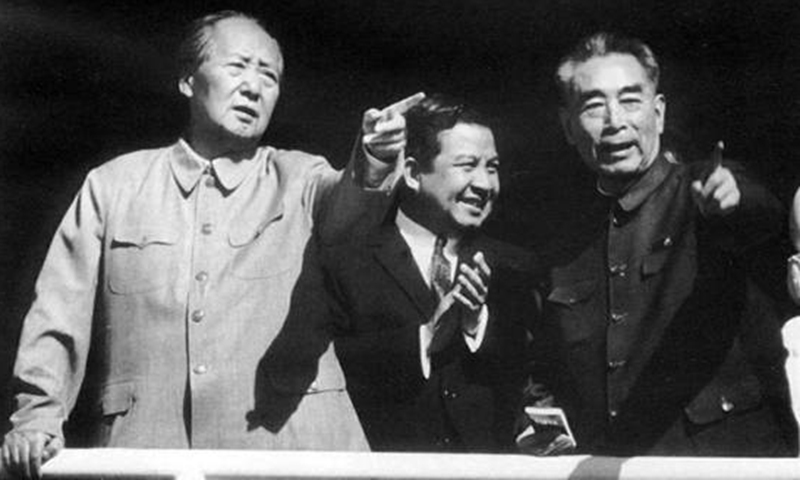 Mao Zedong (left), Zhou Enlai (right) and Prince Sihanouk (middle) at Tian'anmen Rostrum, May 1970