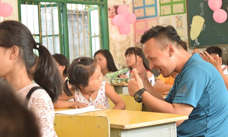 Kudlik Kadir volunteered to be a teacher in a village school in Xiangxi of Human Province in summer vocation in 2018. Photo: Courtesy to Kudlik Kadir