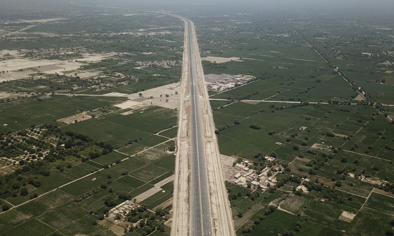 Arial photo taken on Aug. 5, 2019 shows the view of Sukkur-Multan Motorway in central Pakistan's Multan. The construction of the 392-km Sukkur-Multan Motorway under the China-Pakistan Economic Corridor (CPEC) has been completed.(Photo: Xinhua)