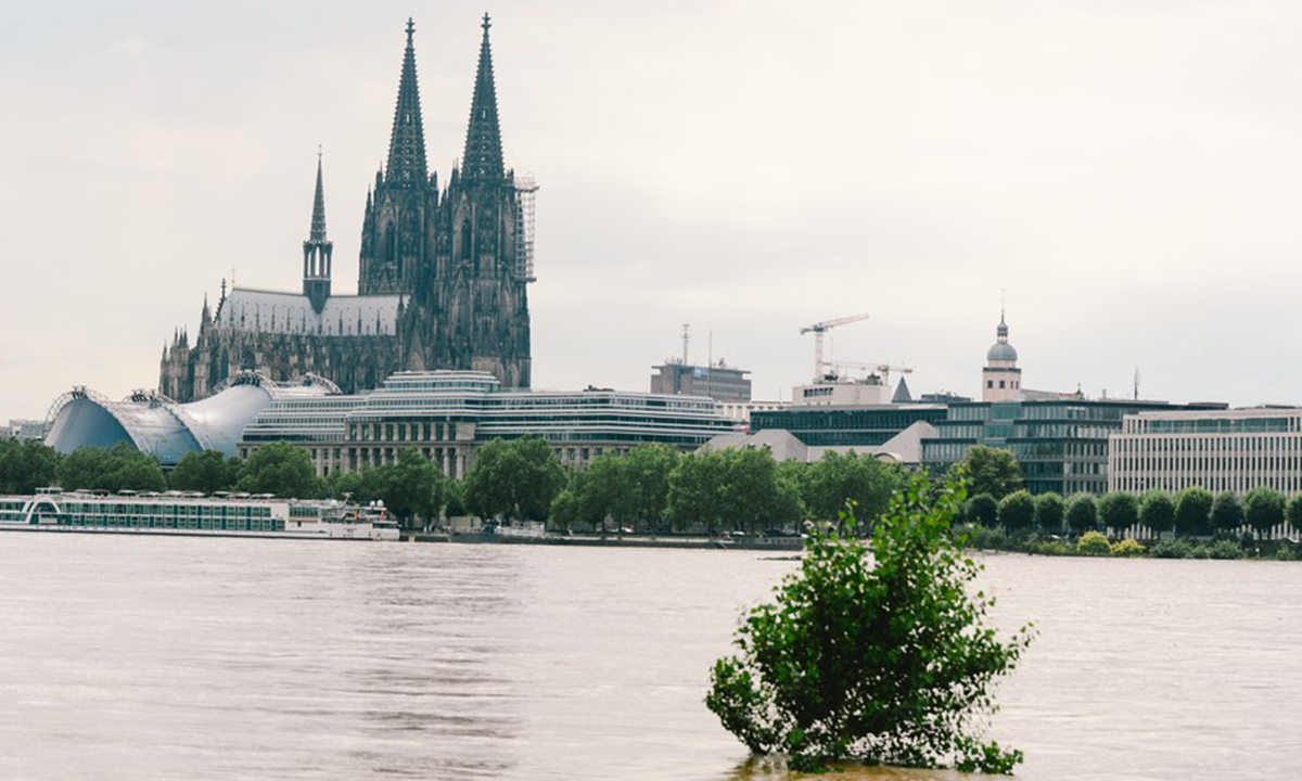 Flooded bank of the Rhine river is seen in Cologne, western Germany, July 15, 2021. Photo:Xinhua