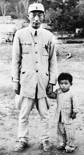 Nie Rongzhen and little Kato Mihoko