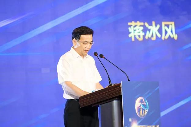Jiang Bingfeng, member of the standing committee of the Taizhou Municipal CPC Committee and head of the publicity department