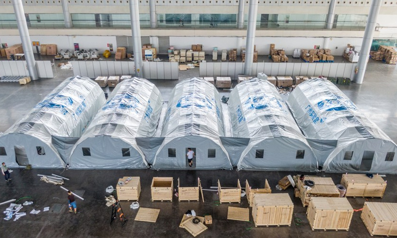 Aerial photo taken on Aug. 10, 2021 shows Falcon air-inflated testing labs for COVID-19 nucleic acid testing at Yangzhou International Exhibition Center in Yangzhou, east China's Jiangsu Province.(Photo: Xinhua)