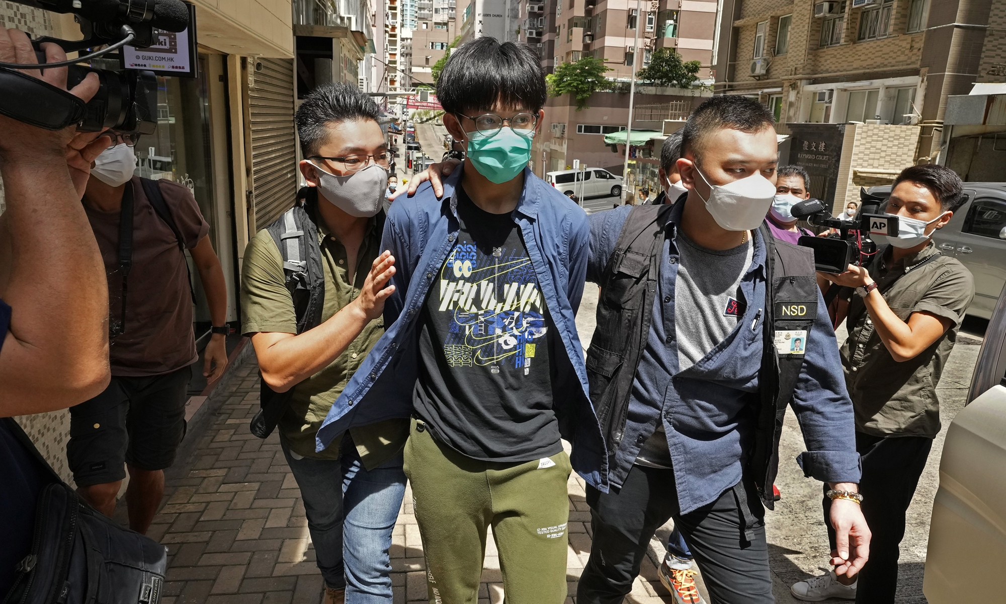 The Hong Kong Police Force (HKPF) on Wednesday arrested four members of the students' union of the University of Hong Kong (HKU) for allegedly advocating terrorism in their public mourning of a police attacker. Photo: The Paper