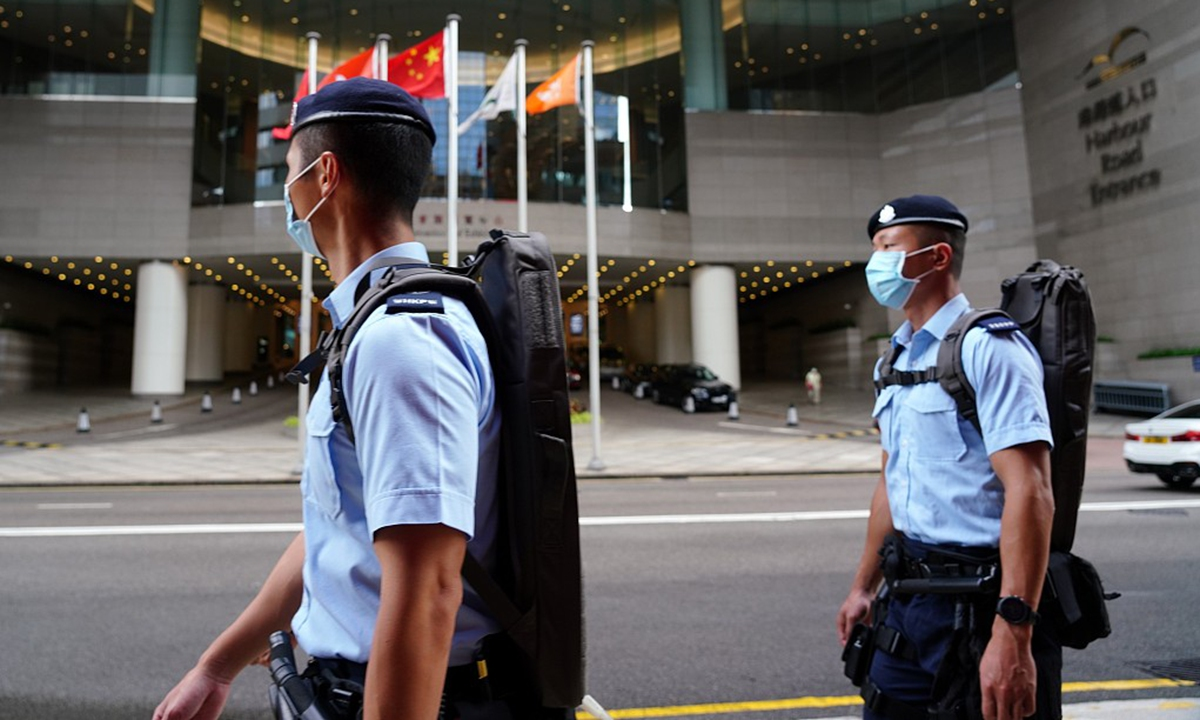Hong Kong police officers on duty Photo: CFP